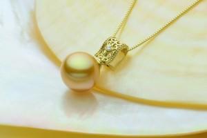 琉球真珠 白蝶真珠ペンダント